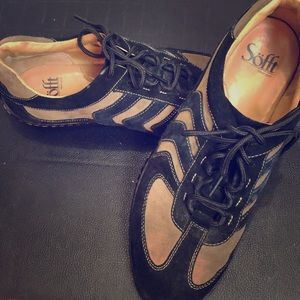Black and taupe sneaker by soft size 9